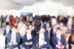3d business dimensional presentation render shape three Företags konferens Mikrofon Royaltyfri Foto