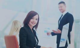 3d business dimensional presentation render shape three möte av folk Arkivfoton