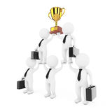 3d Businessmans Team Character Pyramid med guld- troféshower Royaltyfri Bild