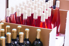 3d butelki modelują biały wino Zdjęcia Royalty Free