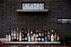 3d butelki modelują biały wino Obrazy Stock
