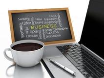 3d chalkboard, filiżanki kawy i laptopu komputer osobisty, pojęcia prowadzenia domu posiadanie klucza złoty sięgający niebo Zdjęcia Stock