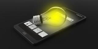 3d che rende lampadina su uno Smart Phone Fotografie Stock Libere da Diritti