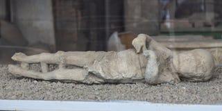 D?couverte p?trifi?e de corps dans la victime de cendre de l'?ruption de Mt le V?suve ? Pompeii, Italie photos libres de droits