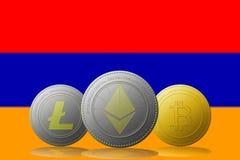 3D cryptocurrencies Bitcoin Ethereum et Litecoin de l'illustration trois avec le drapeau de l'Arménie sur le fond Image libre de droits