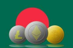3D cryptocurrencies Bitcoin Ethereum et Litecoin de l'illustration trois avec le drapeau du Bangladesh sur le fond Photos libres de droits