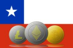 3D cryptocurrencies Bitcoin Ethereum et Litecoin de l'illustration trois avec le drapeau du Chili sur le fond Photos libres de droits