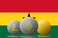 3D cryptocurrencies Bitcoin Ethereum et Litecoin de l'illustration trois avec le drapeau du Ghana sur le fond Photos libres de droits
