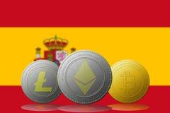 3D cryptocurrencies Bitcoin Ethereum et Litecoin de l'illustration trois avec le drapeau de l'ESPAGNE sur le fond Photographie stock libre de droits