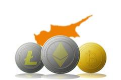 3D cryptocurrencies Bitcoin Ethereum et Litecoin de l'illustration trois avec le drapeau de la Chypre sur le fond Images libres de droits