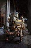 d'Or de véhicule - charrette dorée Image stock