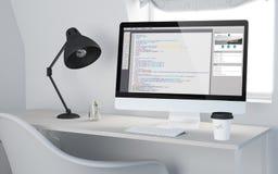 3d Desktopwerkruimte die Web programmering teruggeven Royalty-vrije Stock Afbeeldingen