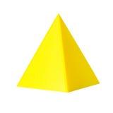 3d druckte Modell von pyramide vom gelben Druckerfaden Lokalisiert auf Weiß Stockfotos