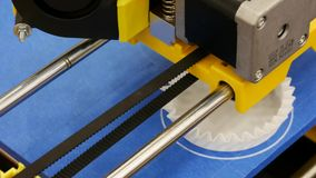 3D druk - Detail van een 3D printer stock video