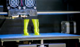 3D drukarka drukuje formę stopiona klingeryt zieleń obrazy stock