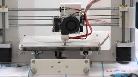 3d drukarka w pracie i drukach forma stopiony plastikowy zakończenie zdjęcie wideo