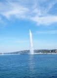 D'eau del jet, en el lago Ginebra en Ginebra Suiza Imagen de archivo