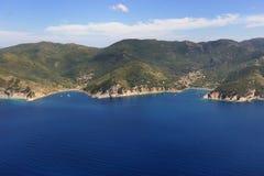 D'Elba-Nisporto e Nisportino van Isola strand Stock Foto