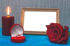3d festgelegtes Bild Der Antrag verbindung Fotorahmen mit Kopienraum von gerade geheiratet Lizenzfreies Stockbild