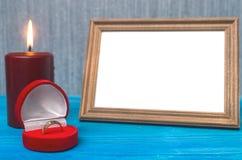 3d festgelegtes Bild Der Antrag verbindung Fotorahmen mit Kopienraum von gerade geheiratet Lizenzfreies Stockfoto