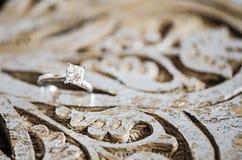 3d frambragt bildcirkelbröllop royaltyfri fotografi