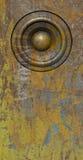 3d framför systemet för den gula gamla högtalaren för grunge det solida Royaltyfria Bilder
