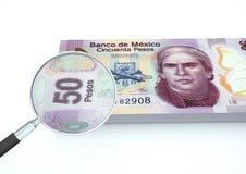 3D framförda Mexico pengar med förstoringsapparaten utforskar valuta som isoleras på vit bakgrund Royaltyfri Foto