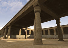 3D het Teruggeven Egyptisch Paleis Stock Foto's