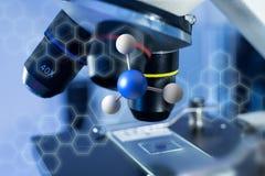 3d het teruggeven molecule op getoond op een medische interface Stock Foto's