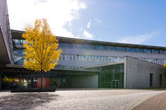 D3ia Sunny University Education Architecture Exterio del cielo azul Imagen de archivo