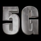 3D Ikone des Metall 5G auf Schwarzem Stockfoto