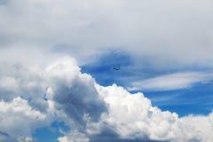 3d illistration喷气机看起来平面天空向量 免版税库存图片