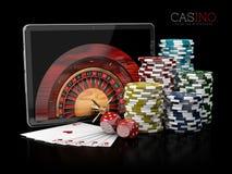 3d Illustratie van Casinoachtergrond met tablet, dobbelt, kaarten, roulette en spaanders stock illustratie