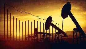 3d illustratie van de hefbomen van de oliepomp op de achtergrond van de zonsonderganghemel met financiële analytics Concept dalen Stock Foto's