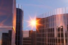 3D Illustratiewolkenkrabbers van een lage hoekmening De hoge gebouwen van het architectuurglas Wolkenkrabbers in een financiëndis stock illustratie