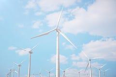 3d Illustration, Windkraftanlage mit blauem Himmel Energie und Strom Alternative Energie, eco oder grüne Generatoren leistung Stockfoto
