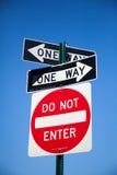 3d ilustracja jeden odpłaca się drogowego znaka sposób obraz stock