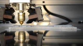 3d impressora de trabalho, cabeça da impressora 3d na ação video estoque