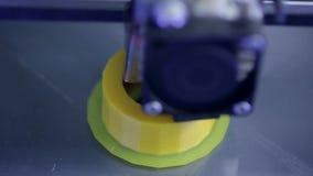 3D imprimant le composant industriel - écrou pour la voiture moderne clips vidéos