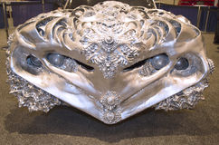 3D imprimió el metal líquido Ford Gran Torino Car del artista Ioan Florea en la exhibición en Nueva York Imagenes de archivo