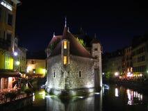 d'Isle de Palaise dans la nuit, Annecy, France Photographie stock libre de droits
