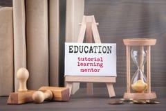 D'istruzione, imparare e mentore Concetto di formazione fotografia stock libera da diritti
