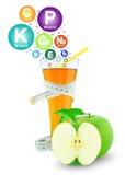 3d jabłczanych jabłek konceptualny spadać karmowego szklanego wizerunku soku naturalny przejrzysty Fotografia Royalty Free