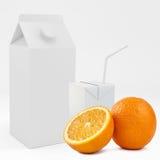 3D kartondoos met oranje fruit het 3d teruggeven Stock Afbeelding