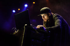 D-Kay Drummasta in Moscow. MOSCOW - 10 NOVEMBER, 2015 : D-kay Drummasta beatmaker warming up before Machine Gun Kelly at Yotaspace nightclub stock photos