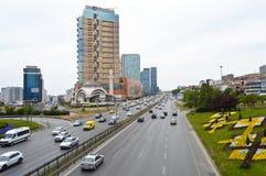 D100 Landstra?e die T?rkei Istanbul Kartal Cevizli, Verkehr ist nicht intensiv stockfoto