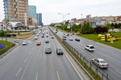 D100 Landstra?e die T?rkei Istanbul Kartal Cevizli, Verkehr ist nicht intensiv stockfotografie
