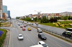 D100 Landstra?e die T?rkei Istanbul Kartal Cevizli, Verkehr ist nicht intensiv stockbilder