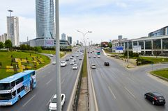 D100 Landstra?e die T?rkei Istanbul Kartal Cevizli, Verkehr ist nicht intensiv lizenzfreies stockfoto