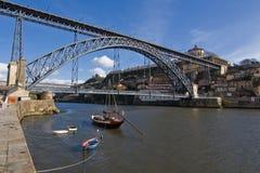 d Luis most nad Douro rzeką przy Oporto Obrazy Royalty Free